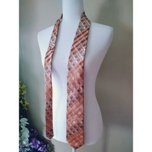 Vanheusen Orange Diamond Pattern Tie